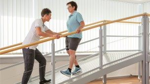 C-Brace® Leg Orthosis: Therapy exercises 12/16 - Training on the ramp