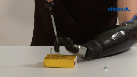 Everyday with the AxonHook: using a screwdriver