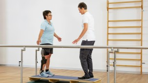 C-Brace® Leg Orthosis: Therapy exercises 7/16 - Balance training
