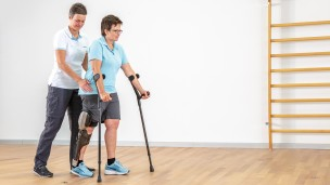 C-Brace® Leg Orthosis: Therapy exercises 8/16 - Gait training: reducing use of walking aids