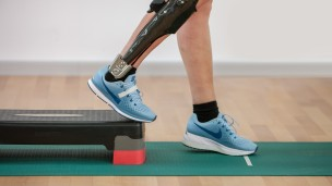 C-Brace® Leg Orthosis: Therapy exercises 10/16 - Training on the stepper